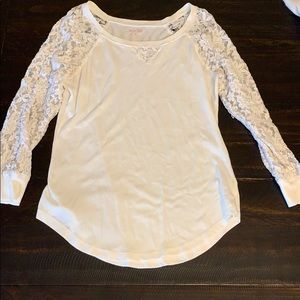 3/4 lace sleeve top